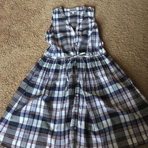 Spring dress ties at waist
